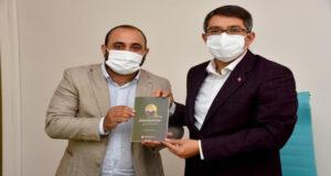 Başkan Çelik 'Şekerci Hüseyin Dede' kitabını tanıttı