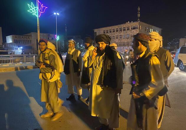 Dünyanın konuştuğu görüntüler: Taliban, Afganistan Başkanlık Sarayı'nda